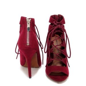 CHINESE LAUNDRY JIGSAW SYRAH SUEDE LACE-UP HEELS